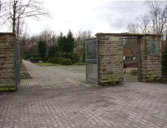 Eingang Dorffriedhof Holsterhausen